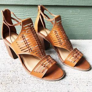 NEW Block Heel Sandals Tan Brown Merida Size 11